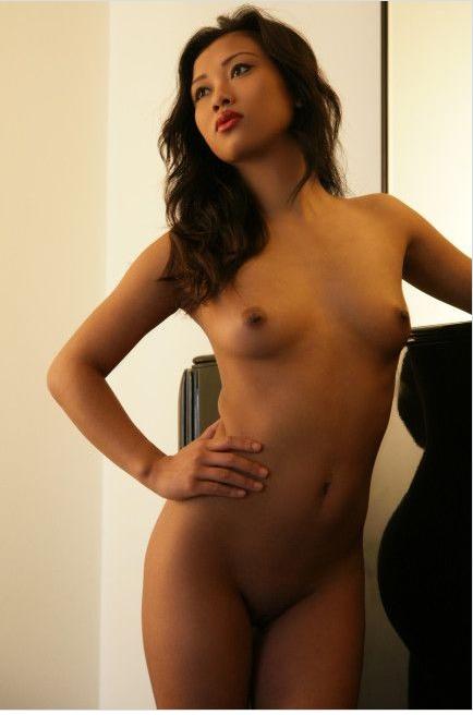 100 Pemenang lomba foto berobyek pria atau wanita cantik telanjang (30)