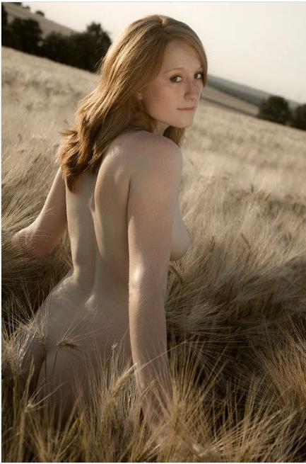 http://rssboster.files.wordpress.com/2011/01/100-pemenang-lomba-foto-berobyek-pria-atau-wanita-cantik-telanjang-95.png?w=433