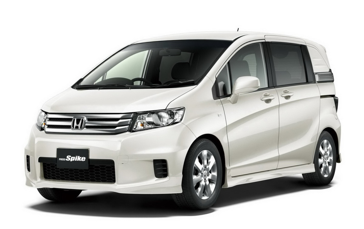 Mobil Honda Freed 2014