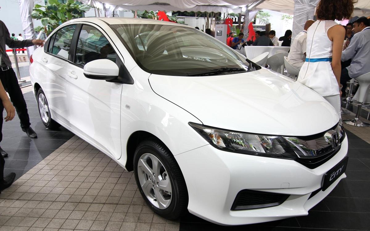 Mobil Honda City S 2014