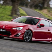 Mobil Toyota GT 86 2015